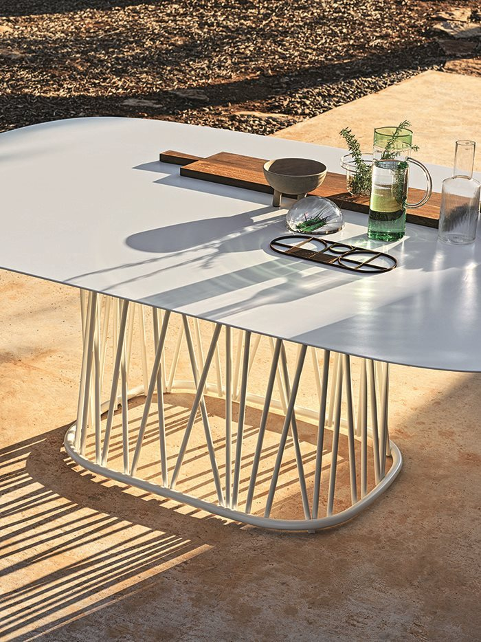 bonacina_outdoor_traccia-dining_out_2_gallery_small